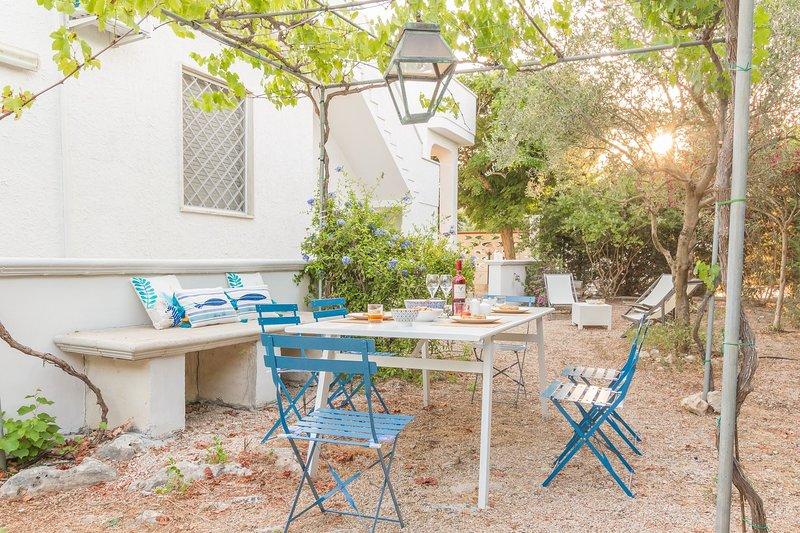 Villa del Pero | bel giardino, wifi gratis, a/c, location de vacances à Torre Lapillo