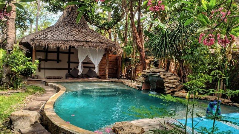 Luxury Villa Bhuvana with garden & swimming pool, holiday rental in Gili Trawangan