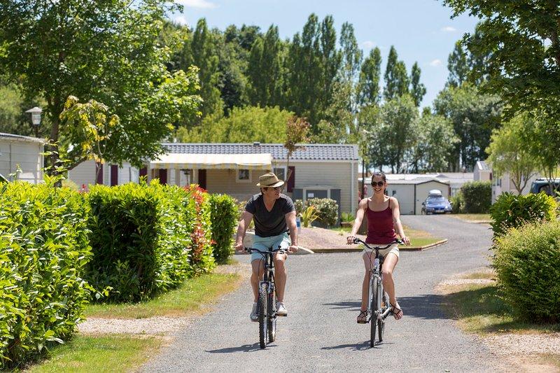 Passez des vacances en mobil-home au camping du Dugny, holiday rental in Mesland