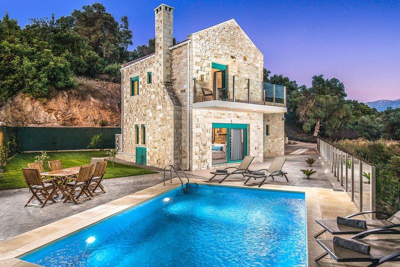 Piedra Luxury Villa, Manoliopoulo Chania, location de vacances à Nteres