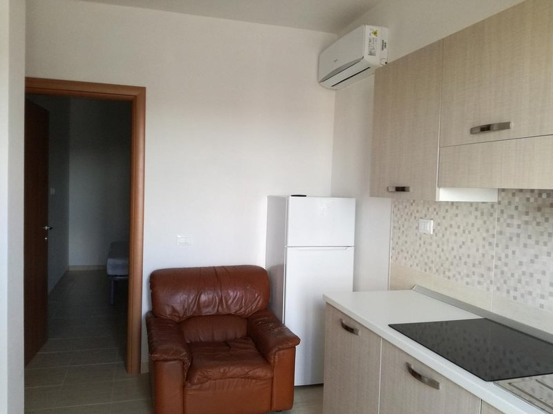 Beautiful apartment with terrace, casa vacanza a Chiesiola