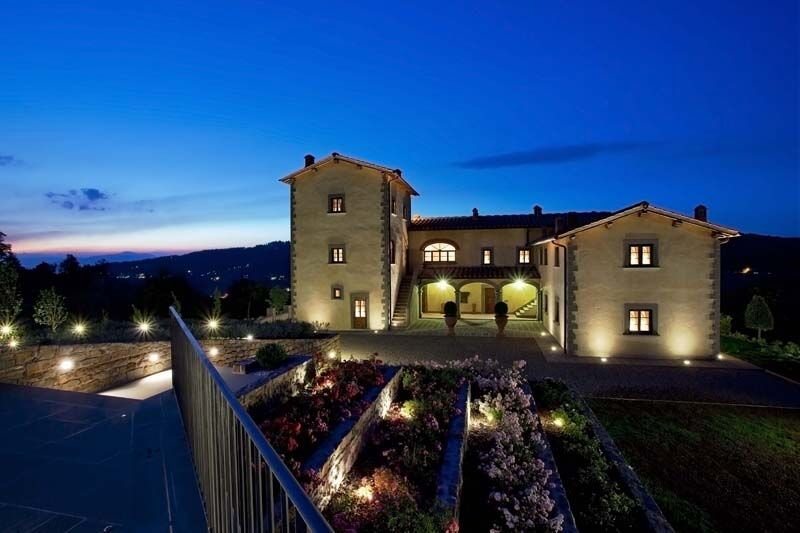BREATHTAKING 9BD-7BA VILLA IN TUSCANY W/POOL, 9 MILES FROM FLORENCE!, location de vacances à Bagno a Ripoli