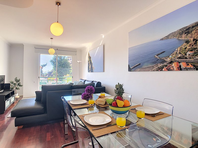 SEA N' SUN APARTMENT by MHM, holiday rental in Ribeira Brava