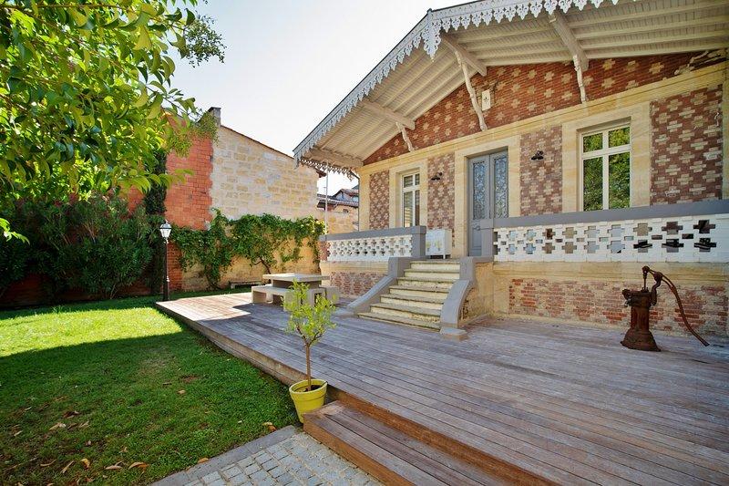 L'Arcachonnaise, Magnifique maison avec grand jardin, vacation rental in Talence