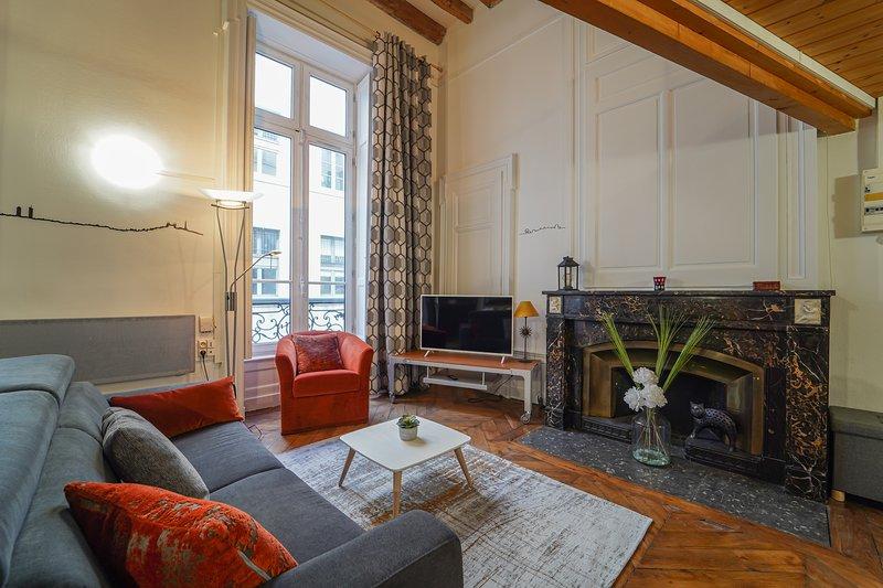 Le Petit Prince - Joli T2 Lyon centre, holiday rental in Sainte-Foy-les-Lyon