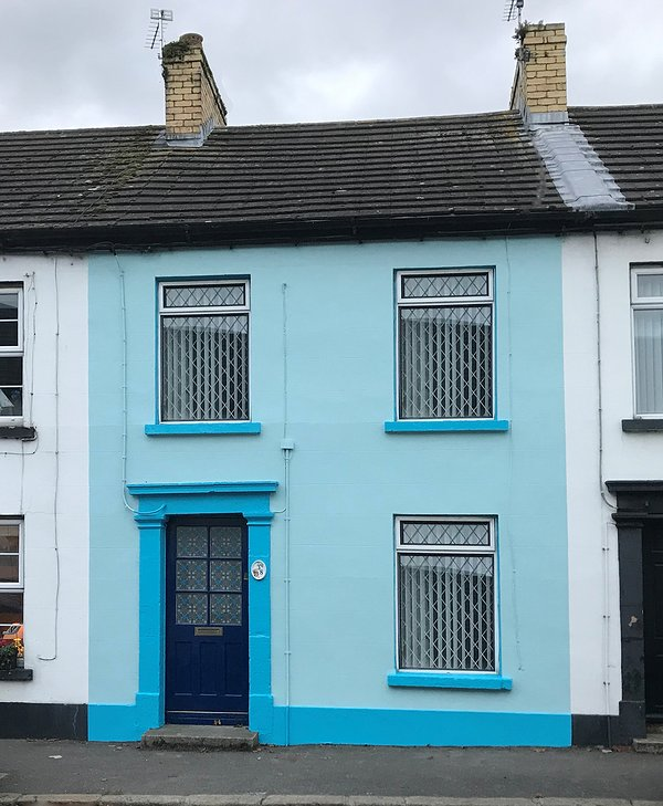 Nuestro exterior recién pintado (Nov 2019)