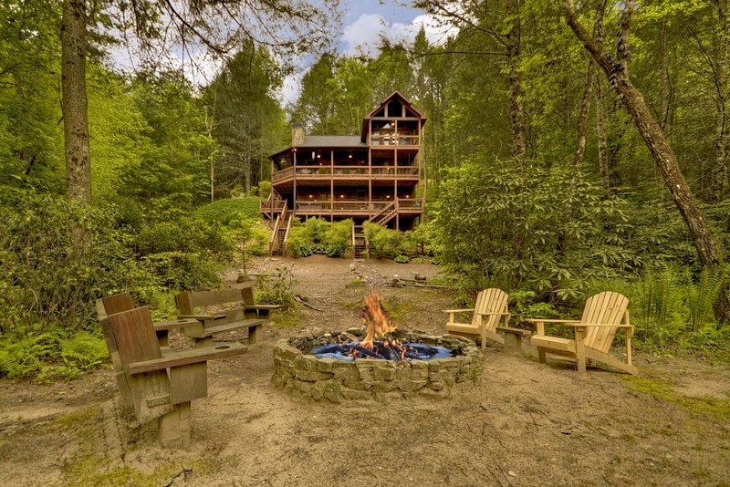 Go Fish- Fightingtown Creek Frontage, vacation rental in McCaysville