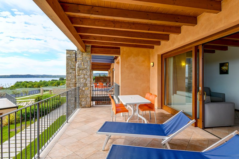 RosaDeiVenti 2 Bdr. Standard, 2 pools,View, WIFI, holiday rental in Muscoline