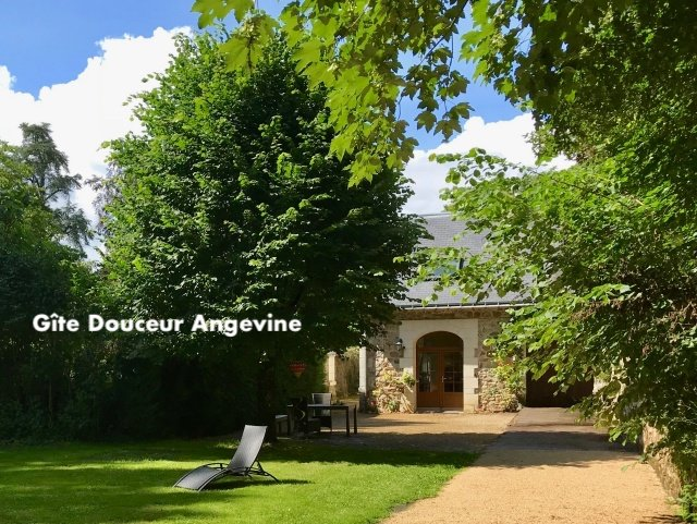 Charming cottage Douceur Angevine -  near Saumur 4p, holiday rental in Deneze-sous-Doue