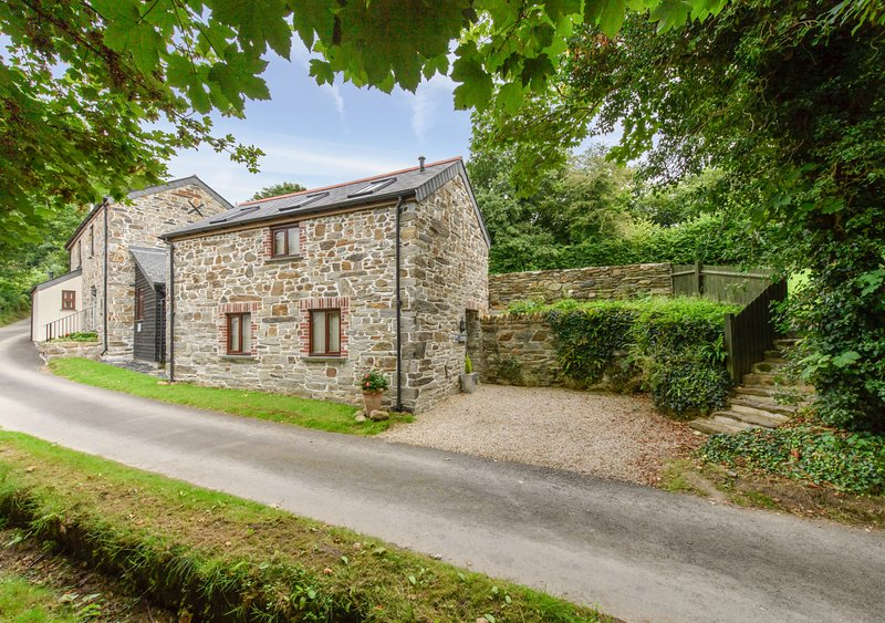 The Hayloft, Dunmere, holiday rental in Tredethy