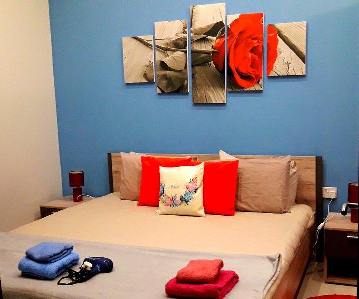Camera matrimoniale IL Kastello, holiday rental in Victoria