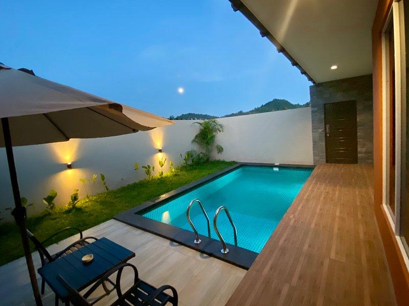 The Paddy Field Pool Villas - Villa Mahsuri, holiday rental in Pantai Cenang