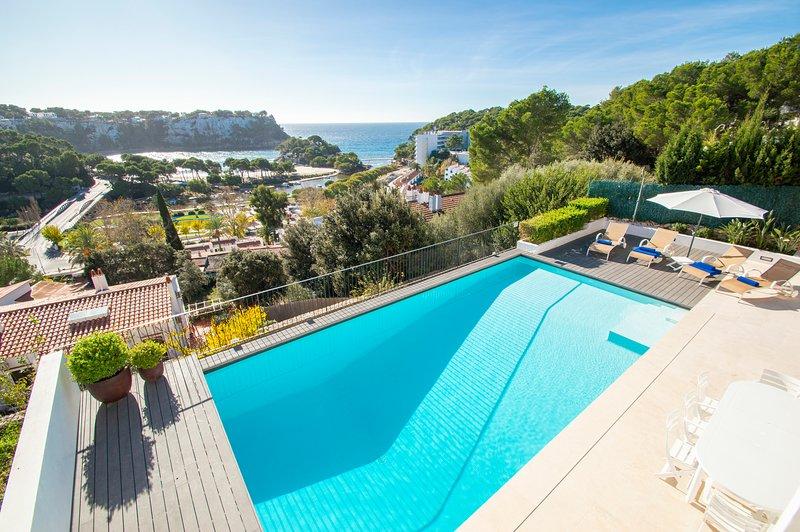 Villa Bella Vista en Cala Galdana - piscina privada, vistas al mar y wifi gratis, holiday rental in Santo Tomas