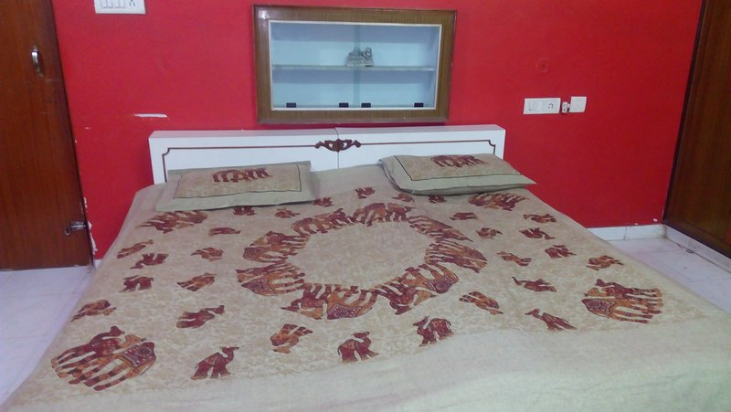 Private Bedroom in Bungalow, holiday rental in Amer