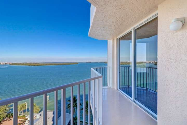 Enjoy a spellbinding view as far as the eye can see, whether looking over the Estero Bay or the Gulf to the left of the balcony.