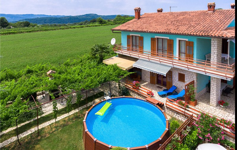 Beautiful home in Krsan with WiFi and 2 Bedrooms (CIO039), holiday rental in Krsan