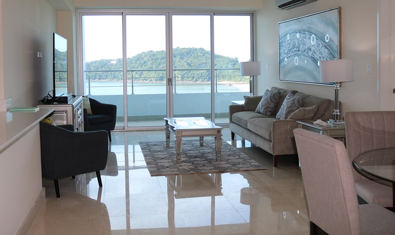 Perfect one bedroom apartment with stunning view 9B, aluguéis de temporada em Isla Taboga