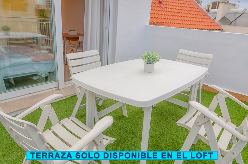 Amazing studio with terrace & Wifi, holiday rental in Cartagena