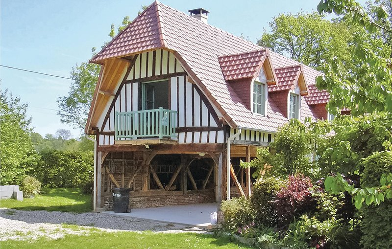 Awesome home in Houdetot with 2 Bedrooms (FNS004), holiday rental in Angiens