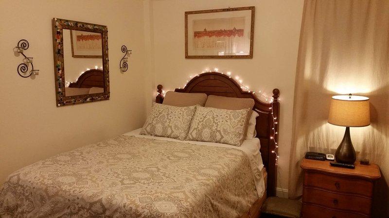 LUXURY BEDROOM BEST LOCATION SAFEST NEIGHBORHOOD, holiday rental in New York City