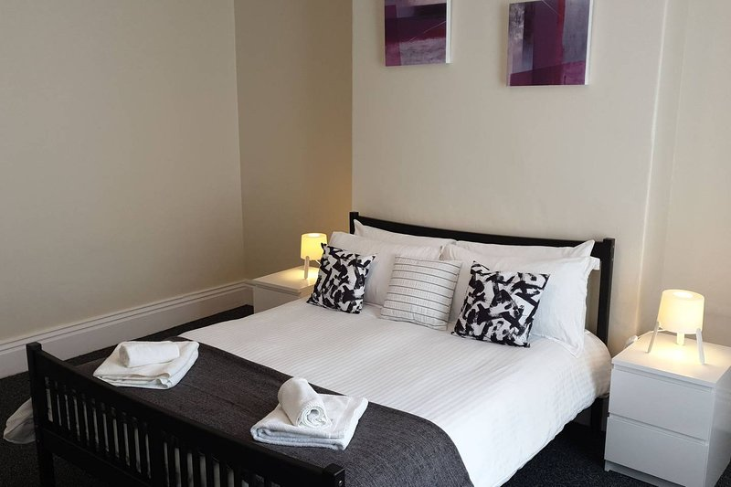 South Shield's Hidden Gem Amethyst 3 Bedroom House, location de vacances à Tynemouth