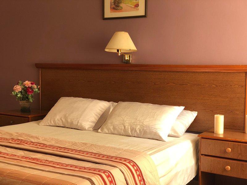 Two bedroom apartments near Amman downtown, location de vacances à Al Jubaihah