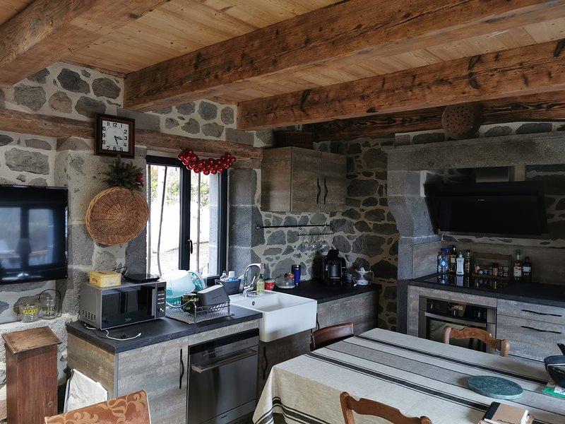 magnifique buron **** renové 80m², holiday rental in Le Mont-Dore