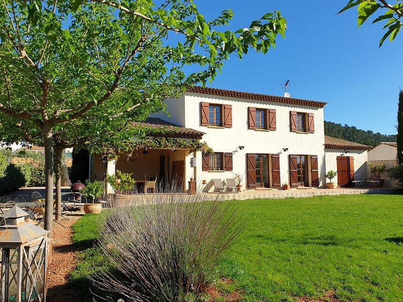 Villa Tropez, location de vacances à Gonfaron