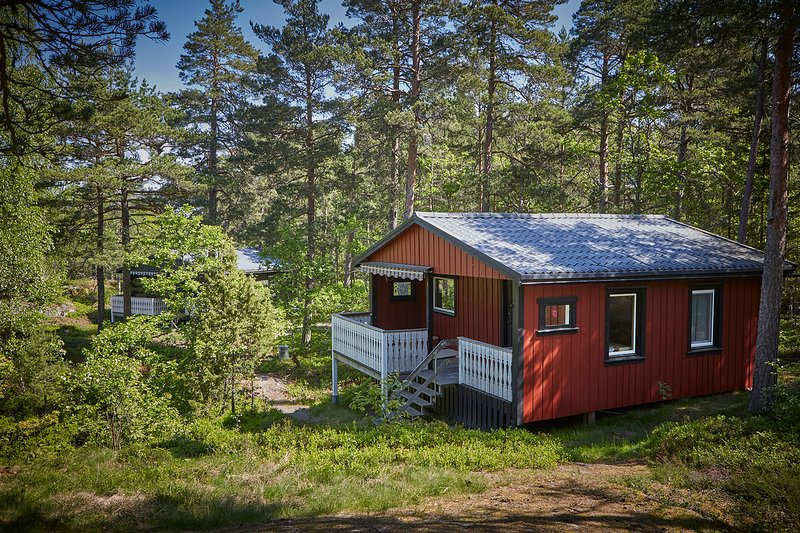 Röda Stugan, holiday rental in Lidkoping