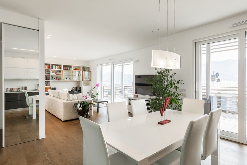 Dining, Sitting Room & Smart TV