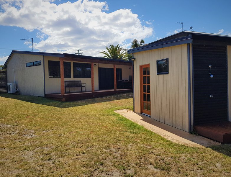 'North Shelly Beach House', holiday rental in Scamander