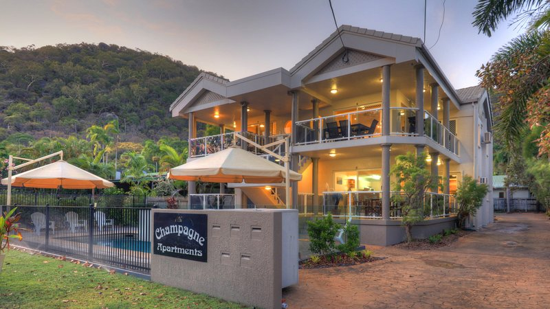 Champagne Apartment 2, holiday rental in Picnic Bay