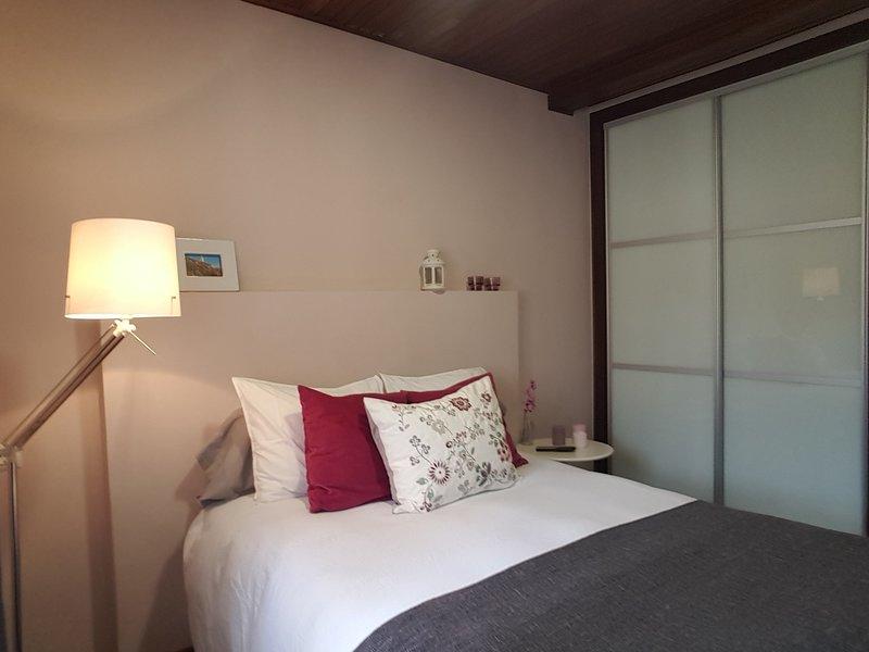 Bonito y amplio apartamento, aluguéis de temporada em Nogueira de Ramuin