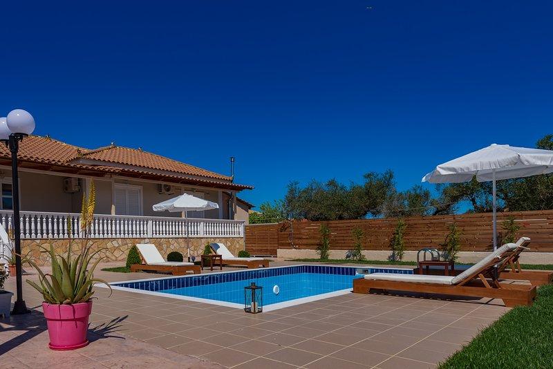 Eleon Villa, location de vacances à Pefkakia