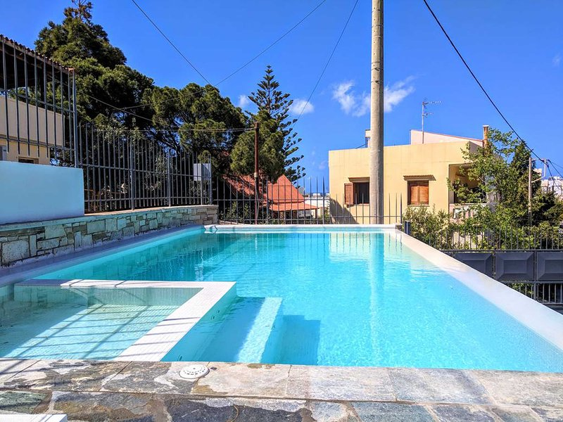 Luxury,modern,coastal,ideal for family, holiday rental in Daratsos