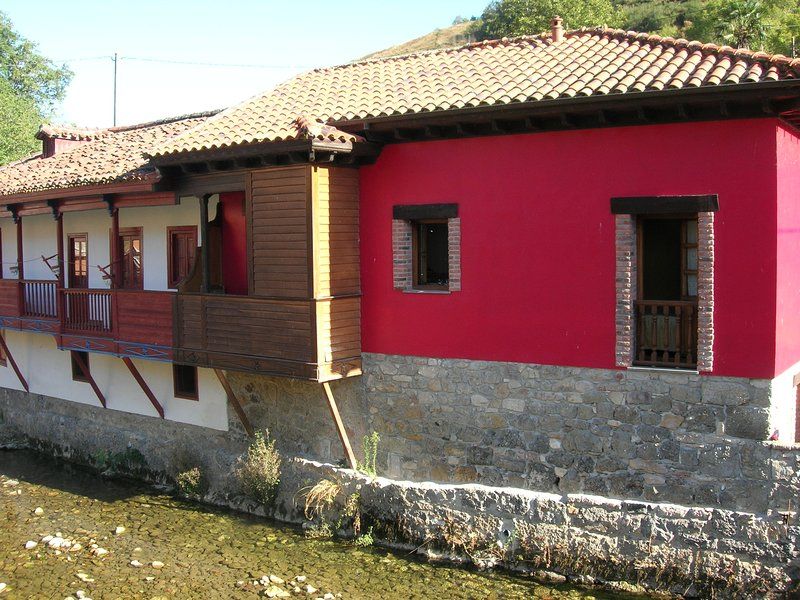 Amazing house with terrace, vacation rental in Corao