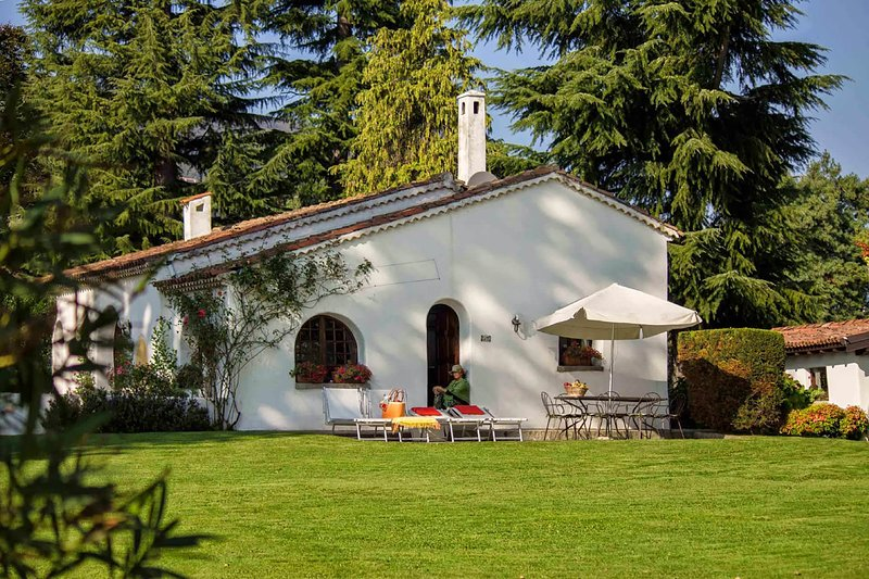Cottage sul Lago, vacation rental in Lesa