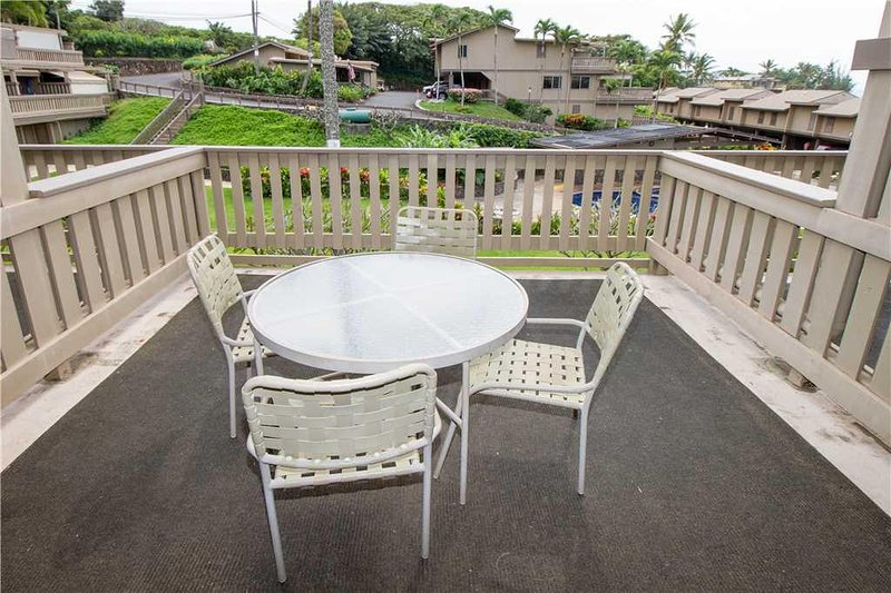 Furniture,Chair,Balcony,Table,Porch