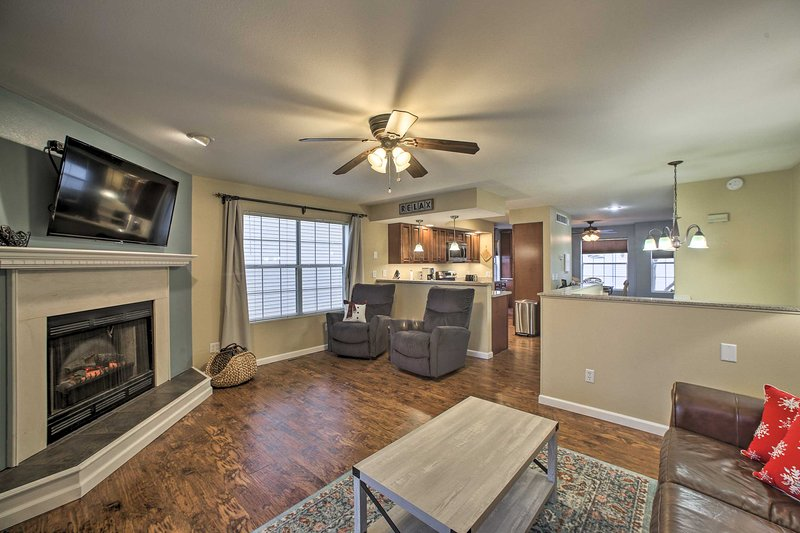 Resort Condo Next to Pointe Royale Golf Course!, vacation rental in Point Lookout