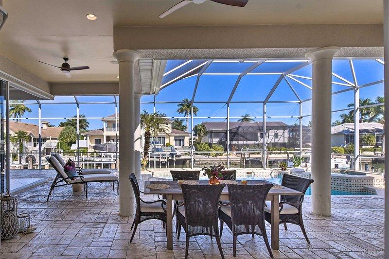 NEW! Luxe Island Oasis: Dock+Gulf of Mexico Access, location de vacances à Île de Marco