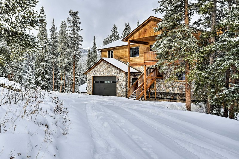 Secluded Mountainside Home w/Mt Silverheels Views!, holiday rental in Alma