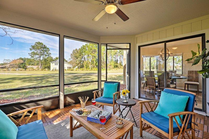 Avventure costiere e relax iniziano in questa affascinante casa di Palm Coast.