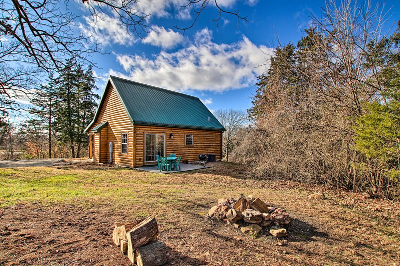 Updated Rural Retreat in New Haven Near Vineyards!, holiday rental in Washington