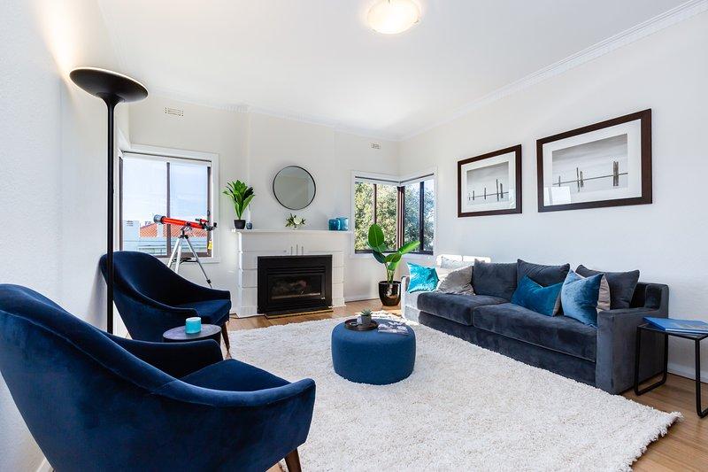 Cozy 2BDR South Melbourne Apartment with CITY VIEWS, location de vacances à Williamstown