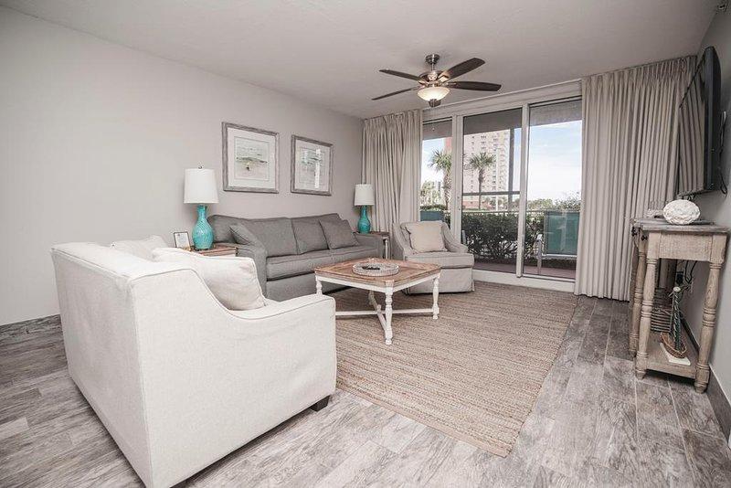 Condominio Pelican Beach Resort 113