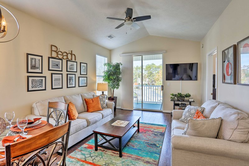 Myrtle Beach Vacation Rental Condo | 2BD | 2BA | 800 Sq Ft | Stairs Required