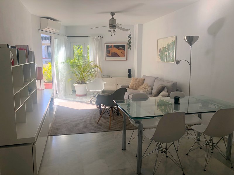 MEDITERRANEAN APARTMENT, holiday rental in Benalmadena