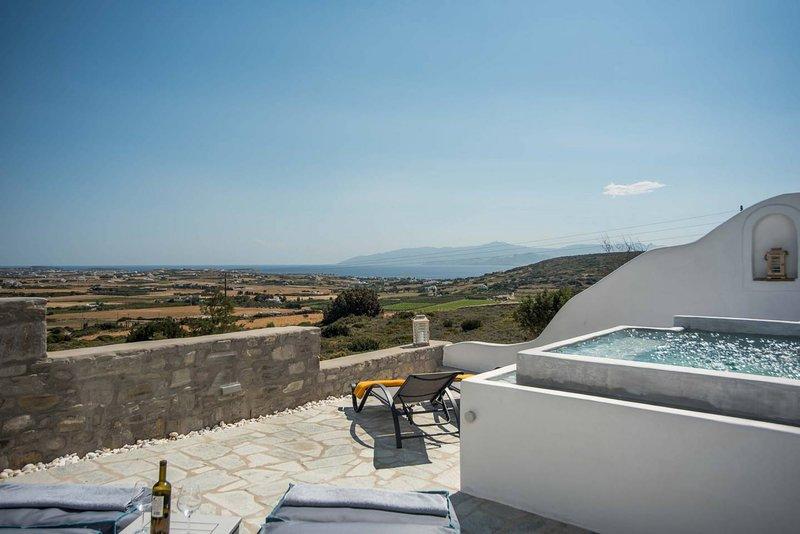 Villa Pathos · Minimal, stunning villa- plunge pool,  sea views, holiday rental in Isterni