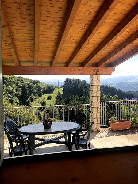 Casa a 2 piani a Asiago (Mezzaselva), holiday rental in Bertigo