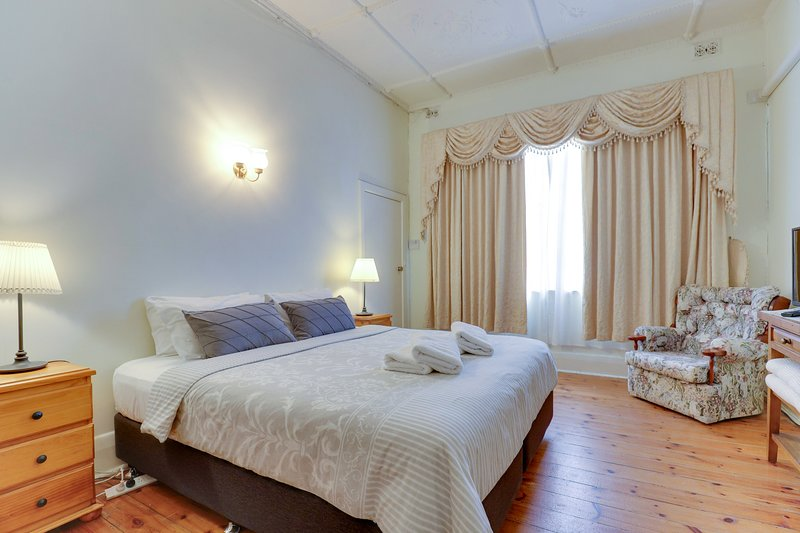 Central Glenelg| Park Views | WIFI | Laundry, vacation rental in Unley